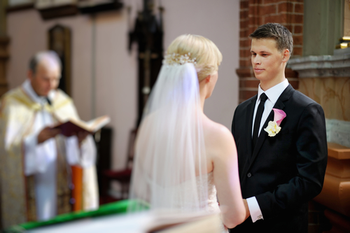 Kirchenhefte bei der Hochzeit